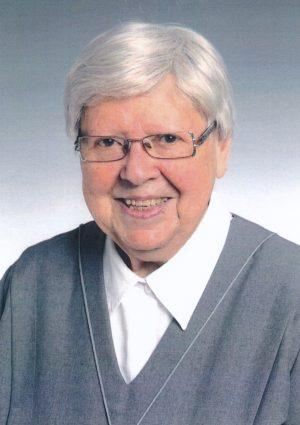 Portrait von Mag. Dr. Sr. Adele Sinn